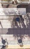 Birdseye de uma barra da rua Fotos de Stock