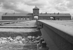 Birkenau - ingangspoort Stock Foto