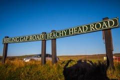 Birling Gap på sju systrar seglar utmed kusten i Sussex royaltyfri bild