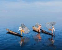 Birmańscy rybacy przy Inle jeziorem, Myanmar Obraz Royalty Free