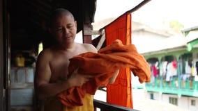 Birmański michaelita przy świątynią w Myanmar zdjęcie wideo