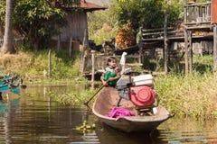 Birmańska dziewczyna Inle jezioro Zdjęcie Royalty Free