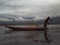 Birmański rybak przy inle jeziorem Obraz Royalty Free