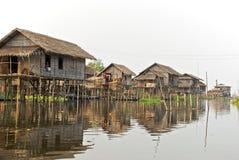 Birmaans visserijdorp Stock Afbeelding