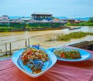 Birmaanse keuken, Inle-Meer, Myanmar stock afbeelding