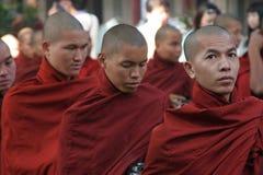 Birmaanse monniken Stock Afbeeldingen