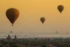 Birmania热空气气球2 免版税库存图片