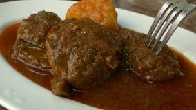 Birmanischer Rindfleisch-Curry stock video