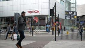 Birmingham, Anglia, Czerwiec 03 2019 Ruchliwie ludzie spaceru w centrum miasta zbiory