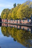 Birmingham - Bäume auf dem Kanal Lizenzfreie Stockfotos