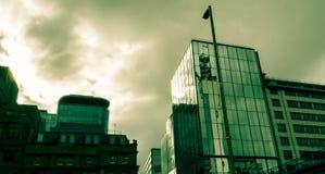 Birmingham Glass byggnad med dramatiska moln Royaltyfria Foton