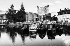 Birmingham, het UK Boten in de avond worden vastgelegd die royalty-vrije stock foto