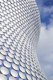 Birmingham, Regno Unito - 6 novembre 2016: Dettaglio esteriore del centro commerciale dell'arena a Birmingham Regno Unito fotografia stock libera da diritti
