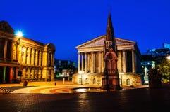 Birmingham, Reino Unido Quadrado de Chamberlain na noite imagens de stock royalty free