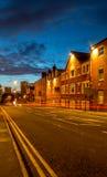 Birmingham stad UK på skymning Arkivbilder