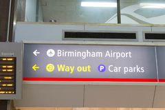 Birmingham/UK - 03 03 19: Birmingham internationell drevstation under flygplatsen arkivbilder