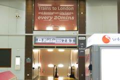 Birmingham/UK - 03 03 19: Birmingham internationell drevstation under flygplatsen royaltyfria bilder
