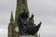 Birminghamm, R-U - 3 octobre 2017 : Statue de Lord Horatio Nelson au centre commercial d'anneau de Taureau Photos libres de droits
