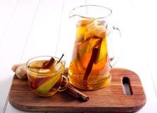 Birne, Ingwer, Zitrusfruchtgetränk Lizenzfreie Stockfotos