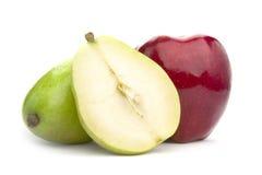 Birne und Apfel stockfotos
