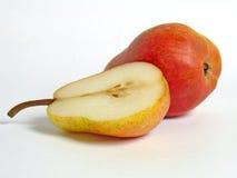 Birne und Hälfte der Birne Stockbild