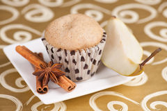 Birne und Muffin Lizenzfreies Stockbild