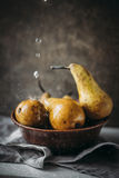 Birnen in einer rustikalen Art Stockfoto