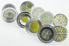 Birnen GU10 LED mit verschiedenen Größen von Chips und von Abkühlen Stockbild