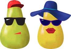 Birnen mit Gläsern und Hüten Stockfotos