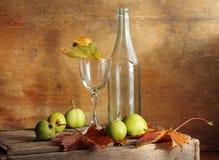Birnen und Glas Lizenzfreie Stockbilder