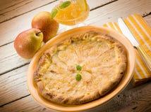 Birnenkuchen mit Marmelade Stockfoto