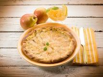 Birnenkuchen mit Marmelade Stockfotografie