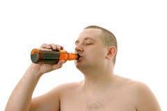 Birra bevente del maschio. Fotografia Stock