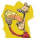 Birra bevente dell'uomo avido Fotografia Stock Libera da Diritti