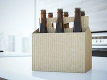 Birra che imballa sulla tavola rappresentazione 3d Fotografia Stock