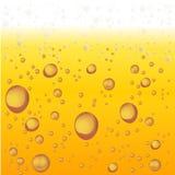 Birra con gomma piuma e le bolle Fondo di vettore royalty illustrazione gratis