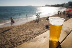 Birra della spiaggia Fotografia Stock