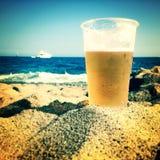 Birra della spiaggia Fotografie Stock