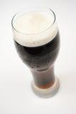 Birra di malto, birra scura Immagini Stock Libere da Diritti