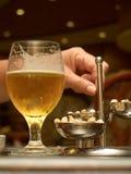 Birra di notte Fotografia Stock Libera da Diritti