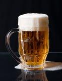 Birra di straripamento Fotografia Stock Libera da Diritti