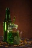 Birra di verde di giorno del ` s di St Patrick fotografie stock libere da diritti
