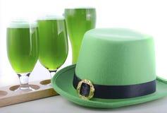 Birra di verde di giorno della st Patricks Immagini Stock