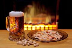 Birra e gamberi Immagini Stock