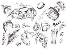 Birra e spuntini impostati royalty illustrazione gratis