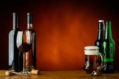 Birra e vino Immagini Stock