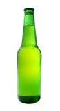 Birra raffreddata fredda in bottiglia verde Immagine Stock
