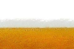 Birra, schiuma, bolle isolate su fondo bianco Immagine Stock Libera da Diritti