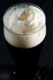 Birra scura immagini stock libere da diritti