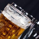 Birra su un contatore della barra Fotografia Stock Libera da Diritti
